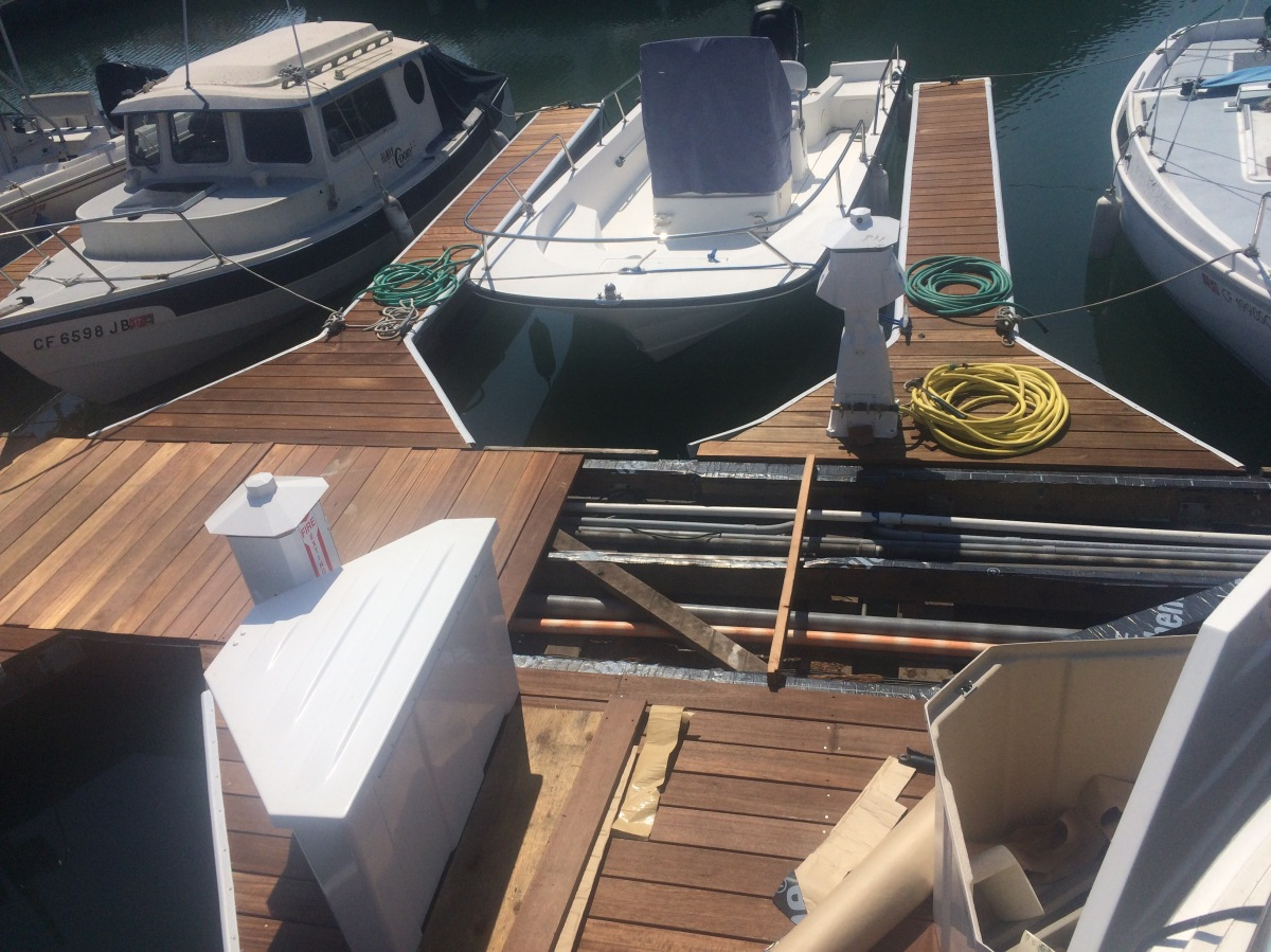 Boat Life – Dock under construction and the dog who stole some Pizza